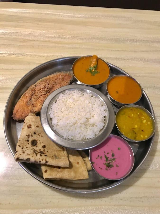 Meeresfrüchte Thali, Konkan-Küche stockbild