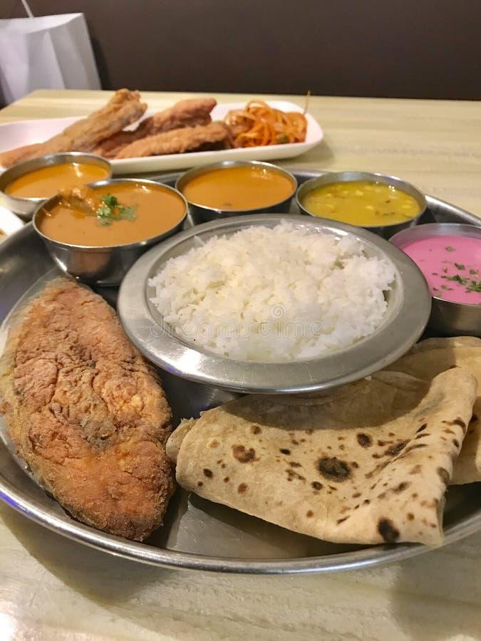 Meeresfrüchte Thali, Konkan-Küche lizenzfreie stockbilder