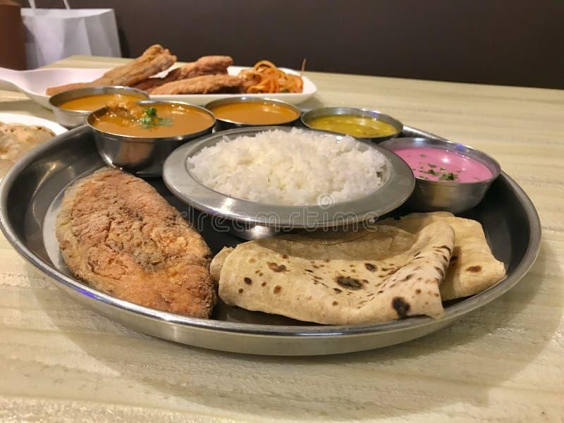 Meeresfrüchte Thali, Konkan-Küche lizenzfreie stockfotos