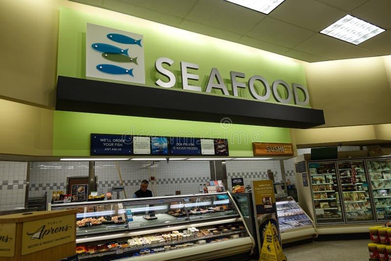 Meeresfrüchteabteilung an einem Gemischtwarenladen lizenzfreie stockbilder