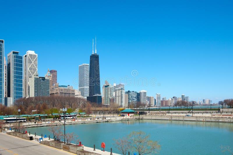 Meerkust en Milton Lee Olive Park in Chicago stock foto's