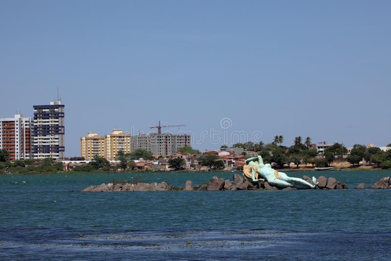 Meermin en horizon van Petrolina en Juazeiro in Brazilië stock afbeeldingen