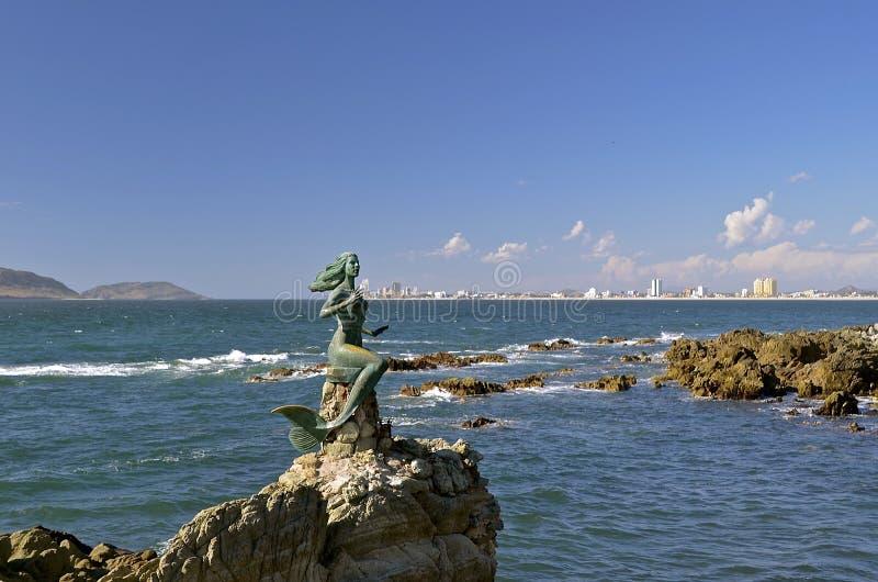 Meerminstandbeeld in Mazatlan stock afbeelding