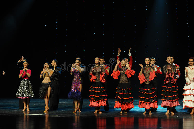 Meespelend gordijn de vraag-de werelddans van Oostenrijk stock afbeeldingen