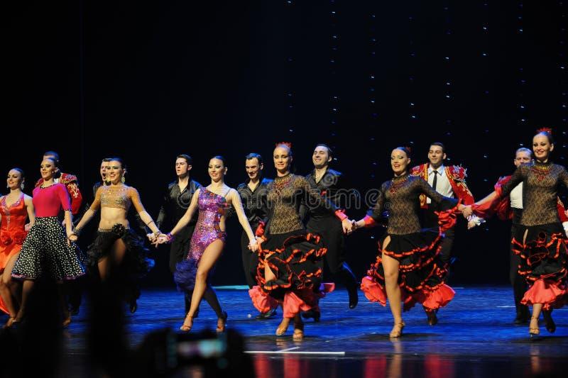 Meespelend gordijn de vraag-de werelddans van Oostenrijk royalty-vrije stock afbeeldingen