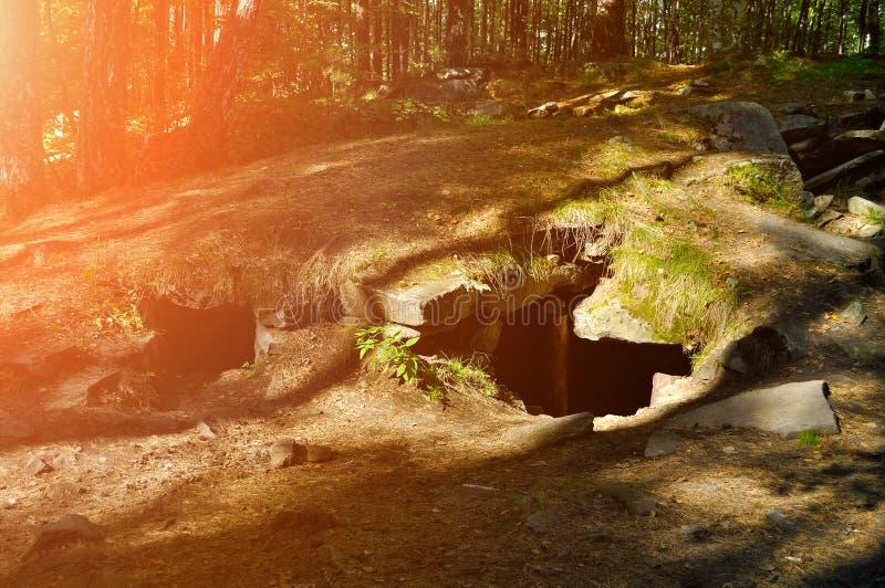 Megalit na terytorium Vera wyspa w Południowych Urals obrazy stock