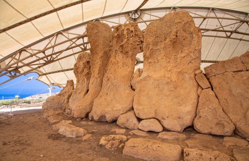 Megalitic tempelkomplex - Hagar Qim i Malta royaltyfri foto