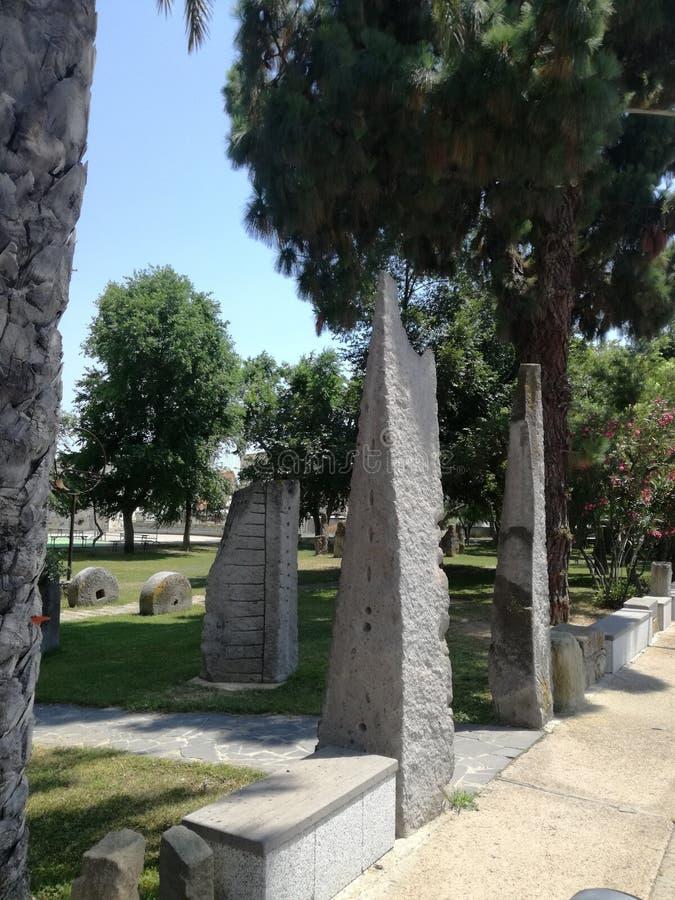 Megalitico-Garten San Sperate Sardinien stockfotografie