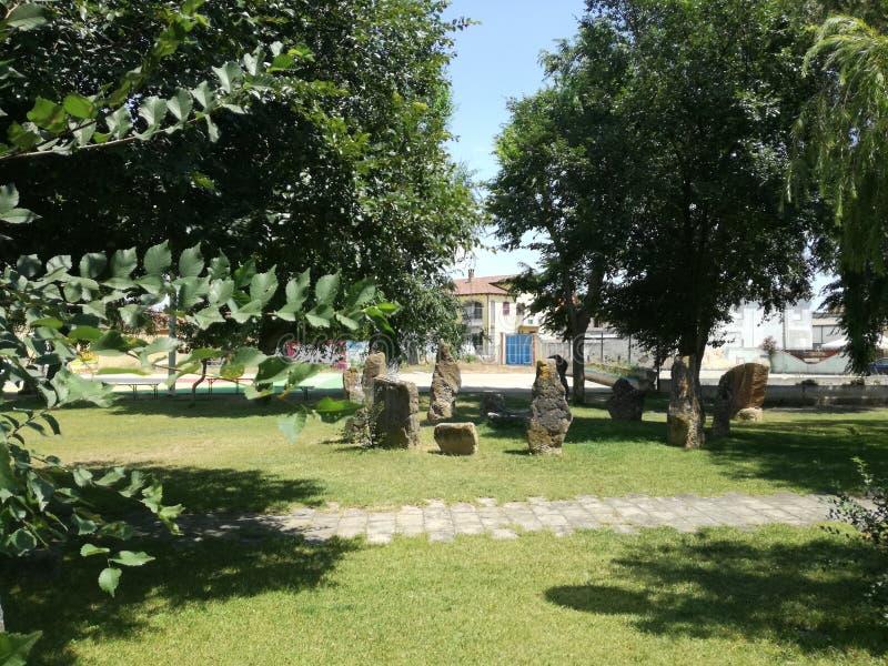 Megalitico-Garten San Sperate Sardinien stockbild