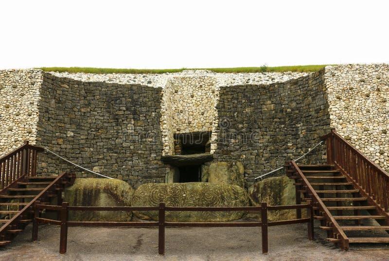 Megalityczny grobowiec Newgrange wielki w Irlandia lokalizował wewnątrz zdjęcia royalty free