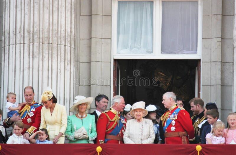 Meghan Markle & książe Harry zapas, Londyński uk, 8 2019 Czerwiec - Meghan Markle książe Harry Gromadzi się colour rodziny królew zdjęcie royalty free