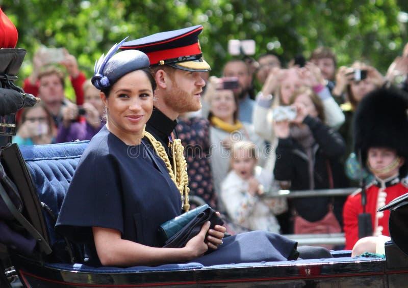 Meghan Markle, Londen het UK 8 Juni 2019 - de voorraadfoto van Meghan Markle Kate Middleton Prince Harry Camilla Parker Bowles stock fotografie