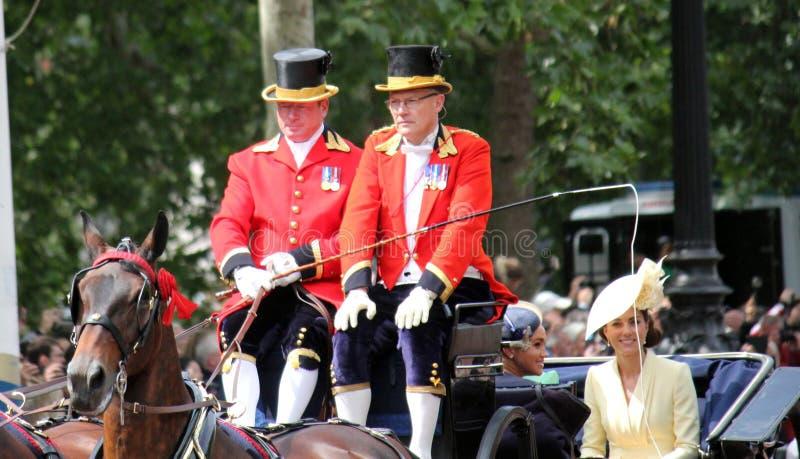 Meghan Markle London UK 8 Juni 2019 - Meghan Markle Kate Middleton materielfoto arkivfoton