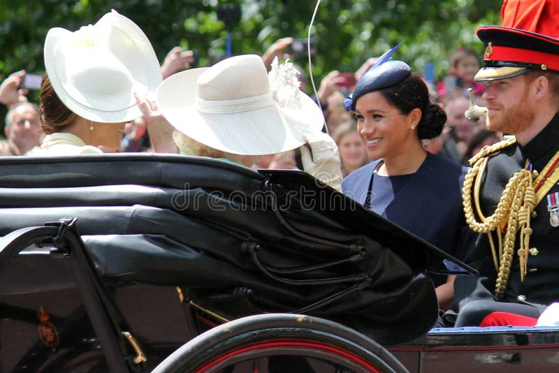 Meghan Markle London UK 8 Juni 2019 - Meghan Markle Prince Harry George William Charles Kate Middleton royaltyfri fotografi