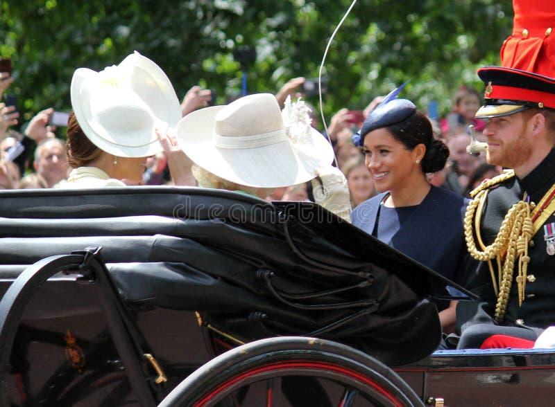 Meghan Markle Prince Harry London het UK 8June 2019 - Meghan Markle Prince Harry George William Charles Kate Middleton stock afbeeldingen