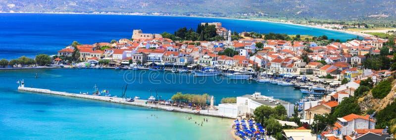 Meglio della Grecia - isola scenica di Samos Bella città di Pythagorion, punto di vista del marinaio e spiaggia fotografie stock libere da diritti