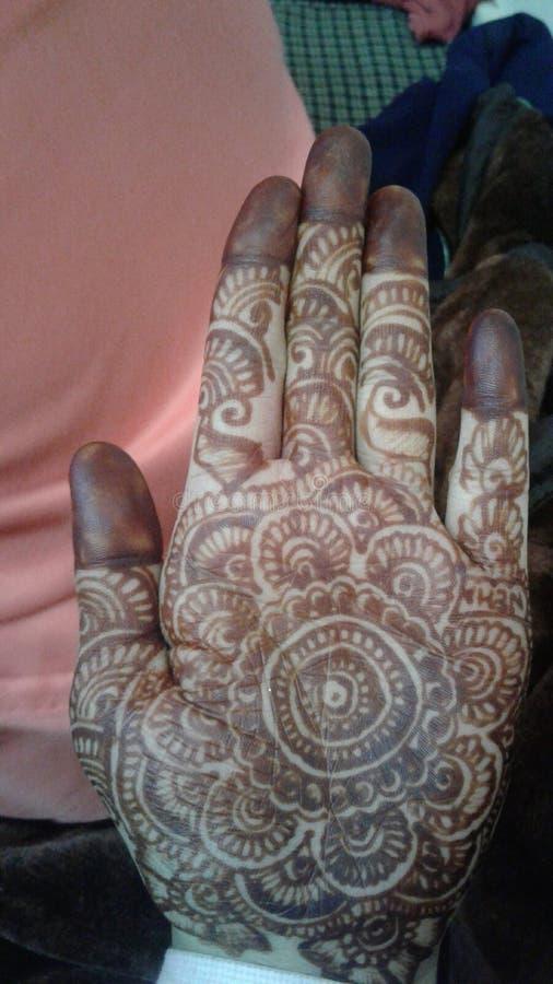 Mehndi du mariage de Himachali du marié image stock