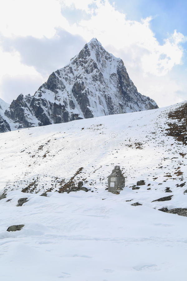Mehra szczytu szczyt beside Everest obraz stock