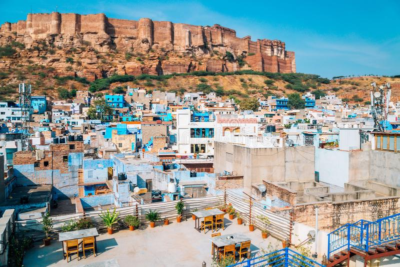 Mehrangarh-Fort und blaue Stadt Jodhpur in Indien lizenzfreie stockbilder