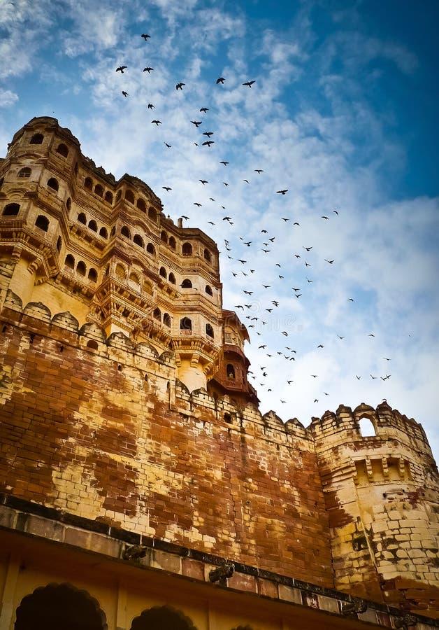Mehrangarh fortu ramparts pionowo zdjęcie stock