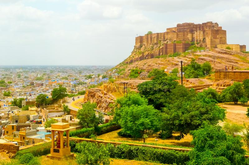 Mehrangarhfort die Jodhpur en de omringende vlakte overzien royalty-vrije stock afbeeldingen