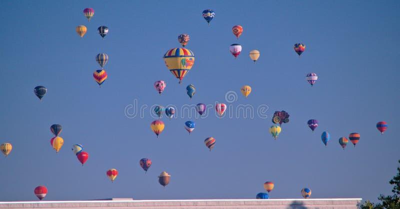 Mehrere Ballon Launch Albuquerque New Mexico lizenzfreies stockfoto
