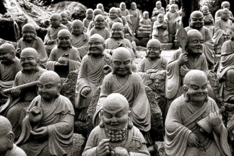 Mehrfache Buddha-Statuen lizenzfreies stockfoto