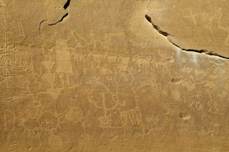 Mehrfache Symbol Anasazi-Petroglyphe-Platte lizenzfreie stockfotografie