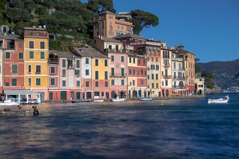 Mehrfarbige alte Gebäude in Portofino, Ligurien lizenzfreies stockfoto