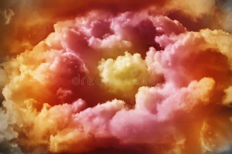 Mehrfarbige dunkle Wolken stockbild