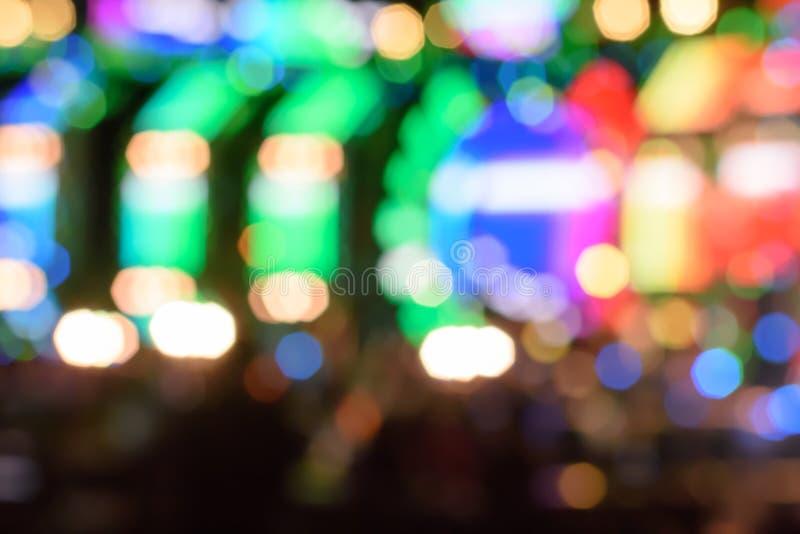Mehrfarbiger heller Hintergrund der Zusammenfassung mit defocused bokeh Licht Das Stadium der Unterhaltungsshow stockfoto