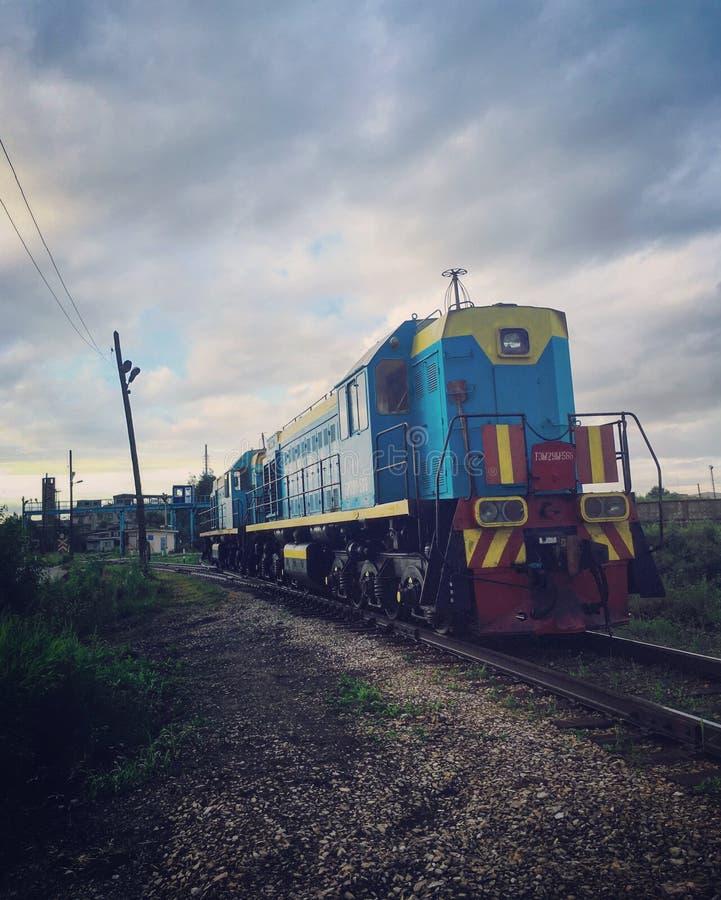 Mehrfarbiger Zug stockfoto