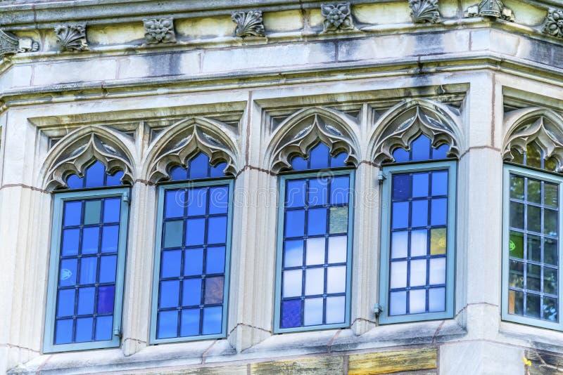 Mehrfarbiges Fenster Yale University New Haven Connecticut lizenzfreies stockbild