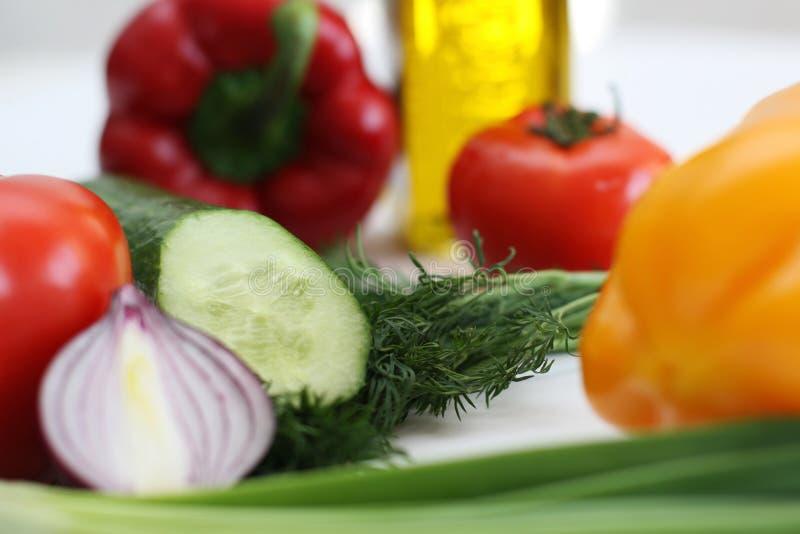 Mehrfarbiges Gemüse für Salat lizenzfreie stockfotografie