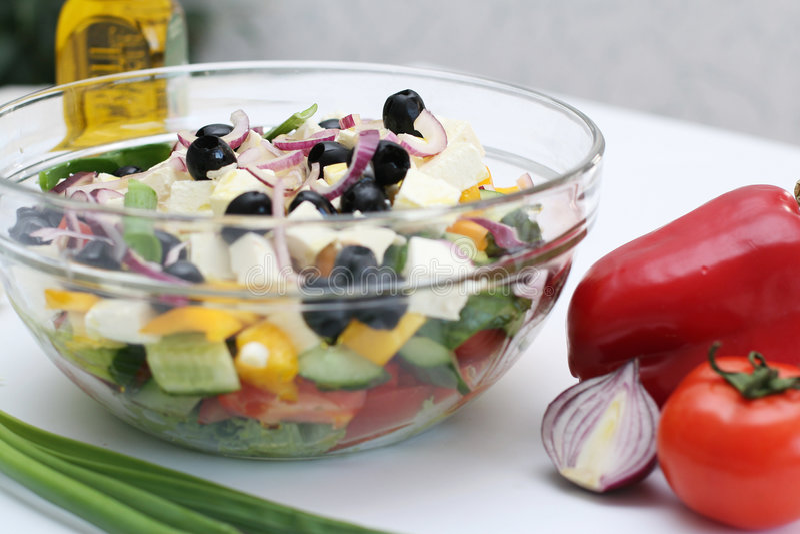 Mehrfarbiges Gemüse für Salat stockfotografie