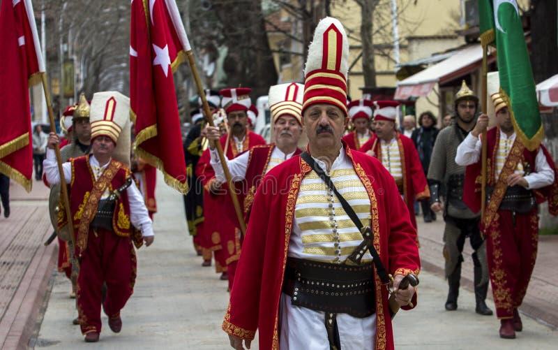 Mehter Företag går tillbaka från en ceremoni i Iznik, Bursa Februari 9th, 2019 arkivbilder