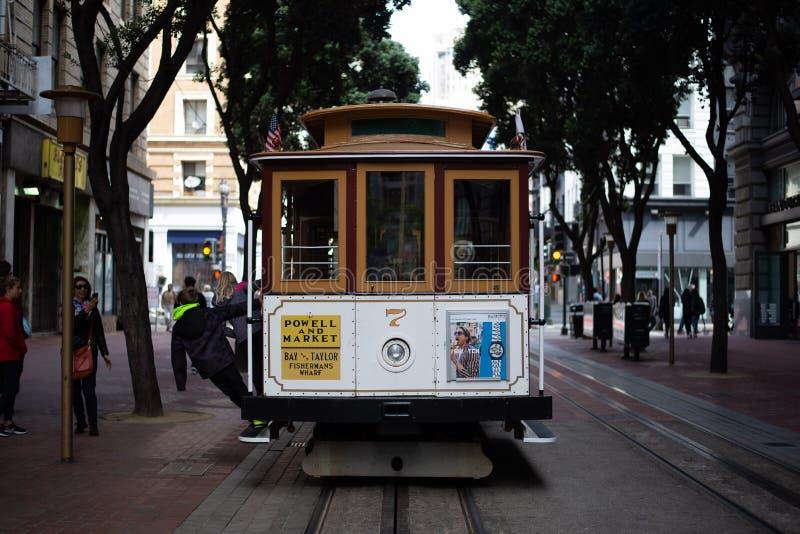 13 mei, 2018 - San Francisco, Verenigde Staten: Kabelwagenterminal in Powell Street, San Francisco stock afbeelding