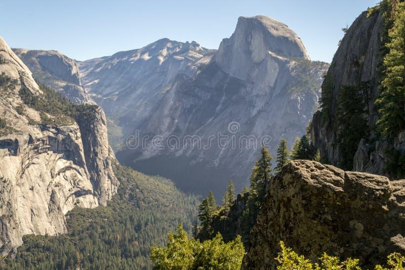 Meia abóbada icónica em Yosemite imagem de stock