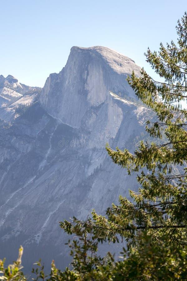Meia abóbada icónica em Yosemite imagem de stock royalty free