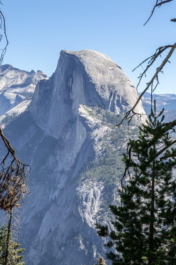 Meia abóbada icónica em Yosemite fotos de stock royalty free