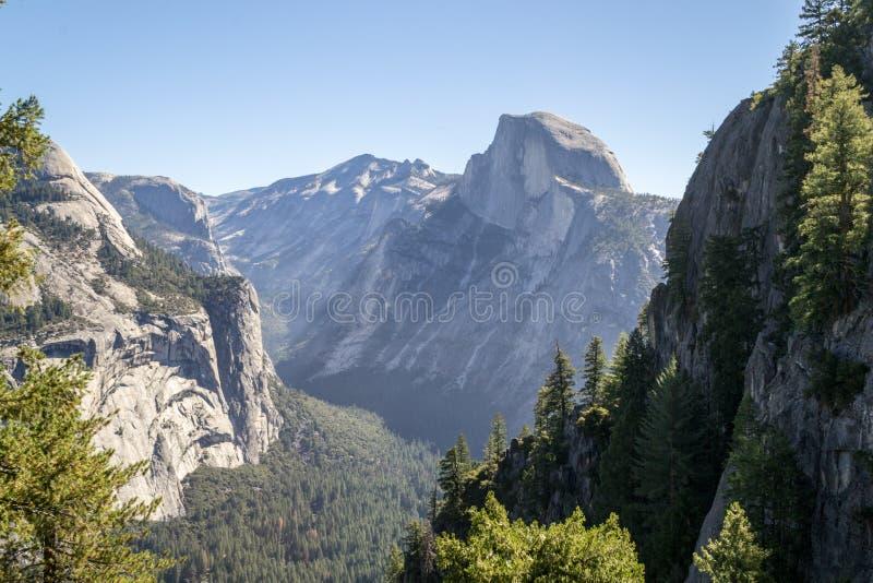 Meia abóbada icónica em Yosemite fotos de stock