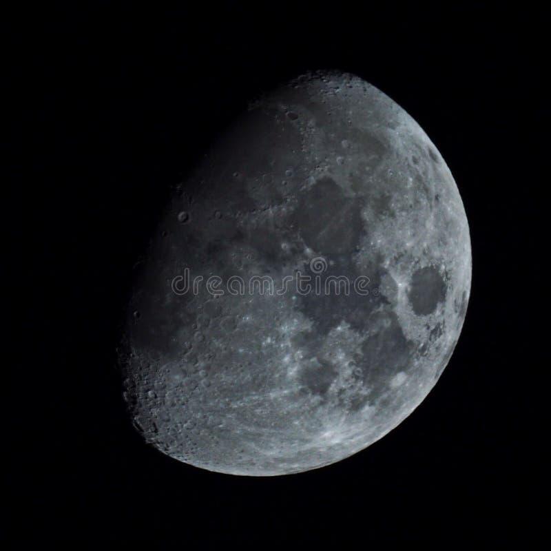 Meia lua no céu noturno fotografia de stock royalty free