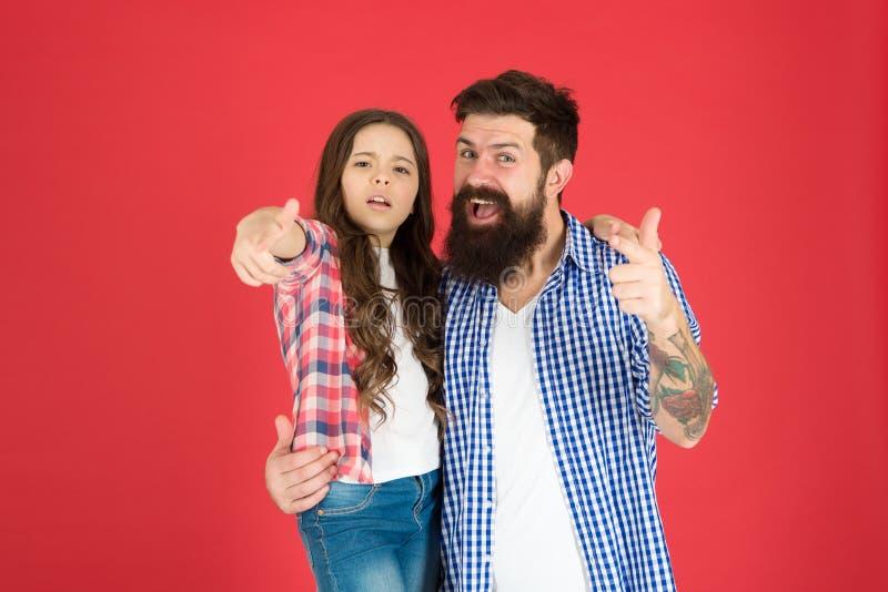 Meilleurs amis d'enfant et de père Buts de condition parentale Enfance heureux Concept de jour de pères Beau papa barbu et enfant images libres de droits