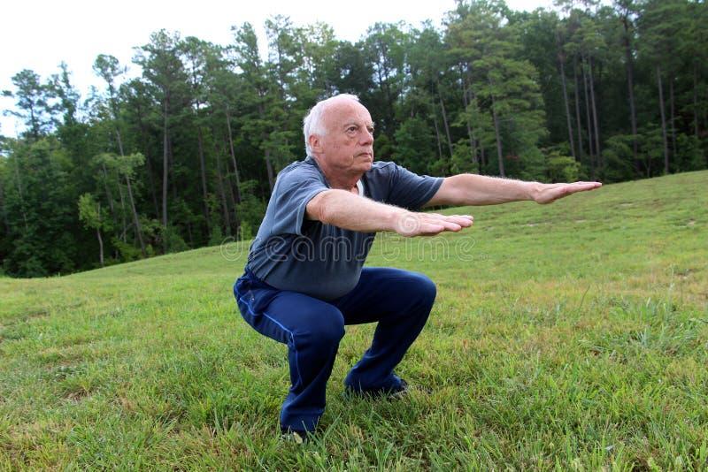 Mein 83-Jähriger voll des Energieschwiegervaters lizenzfreie stockfotos
