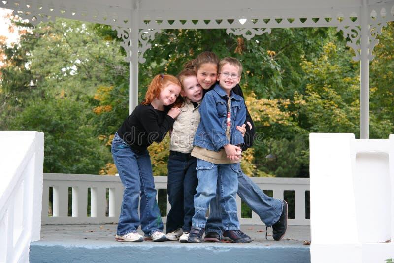 Meine liebevollen Kinder lizenzfreie stockbilder