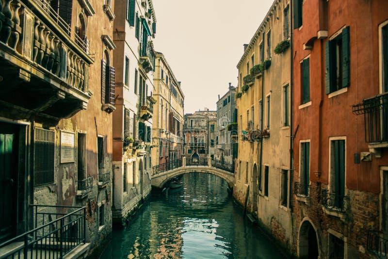 Meio-dia no labirynth de Veneza foto de stock