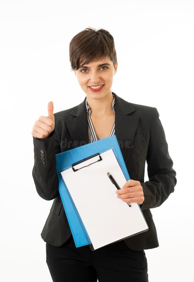 Meio retrato do corpo do comprimento de uma mulher de empresa atrativa que olha feliz e bem sucedida imagens de stock