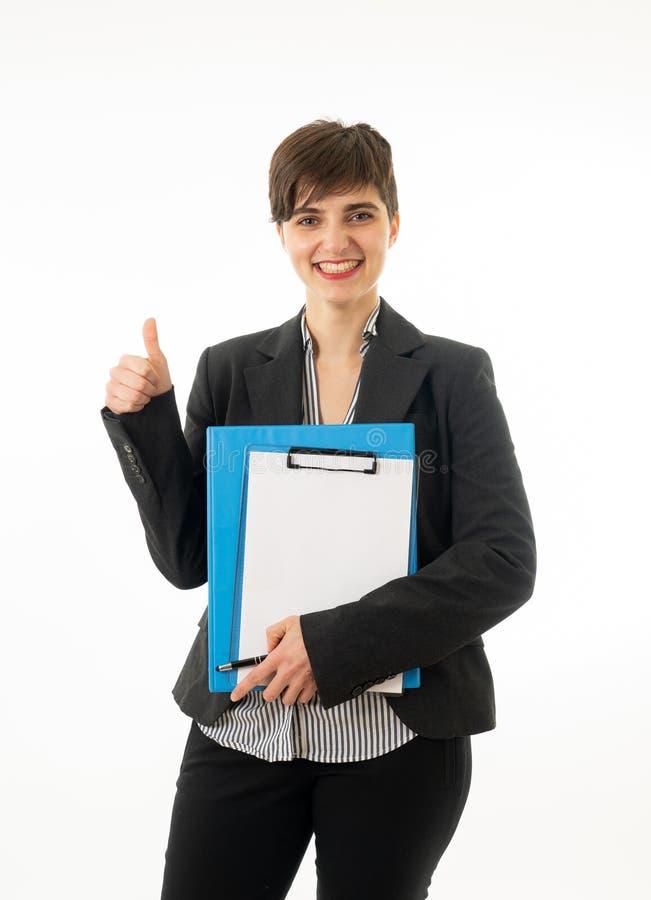 Meio retrato do corpo do comprimento de uma mulher de empresa atrativa que olha feliz e bem sucedida imagem de stock royalty free