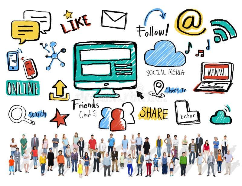 Meios multi-étnicos do Social das comunicações globais dos povos da multidão imagens de stock