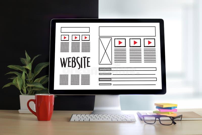 Meios WWW do software de desenho do esboço da disposição de design web e gráfico imagem de stock royalty free